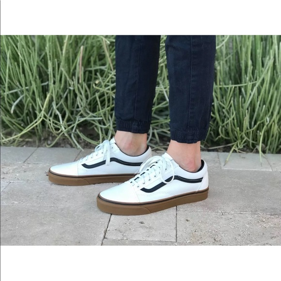 9f4554db26 Vans Women s Old Skool Gum Blanc De Blanc Black